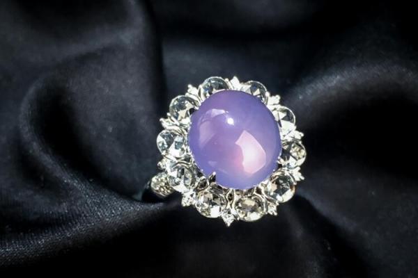 紫羅蘭和玉石有何關係?紫羅蘭有價值嗎?
